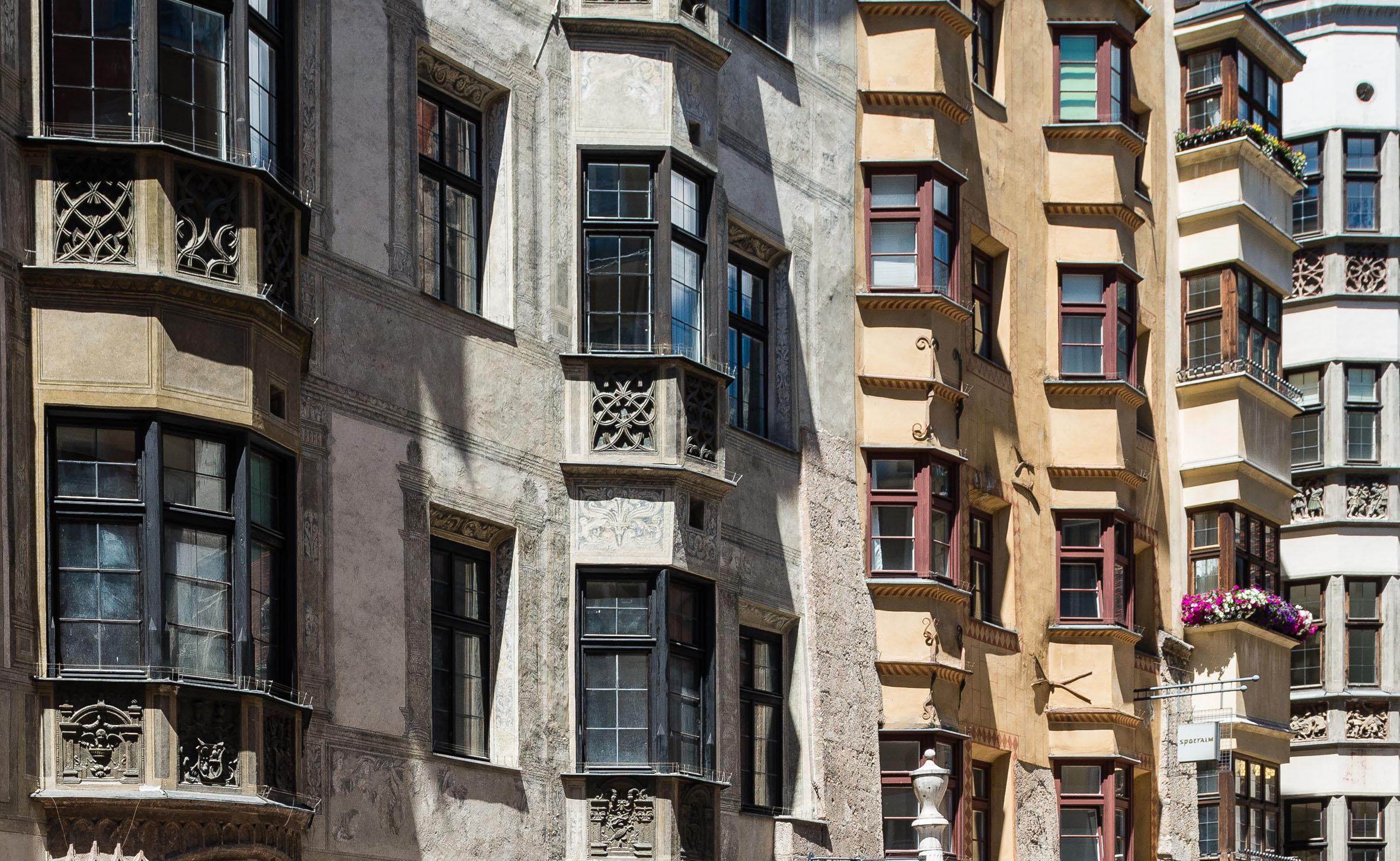 Architekturfotografie Historische Häuserzeile Innsbruck