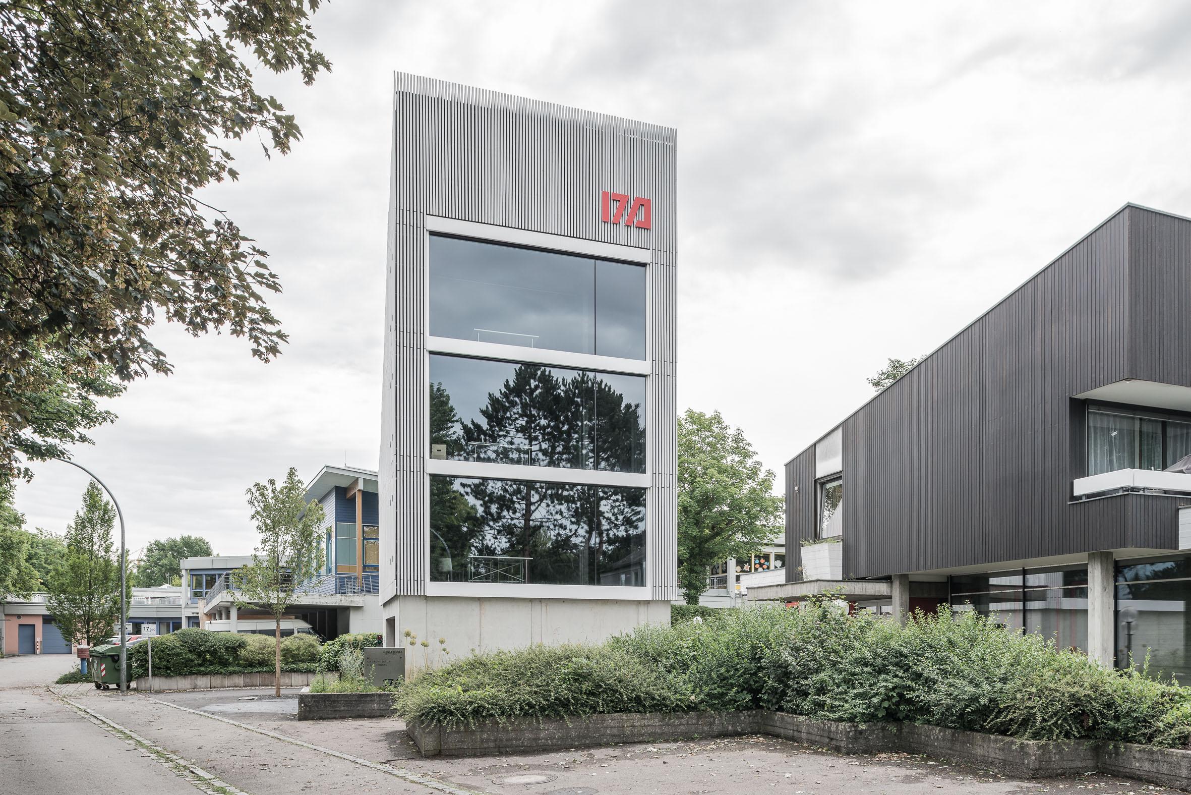 Architekturfotografie Aufstockung Doppelgarage zum Bürohaus Königsbrunn
