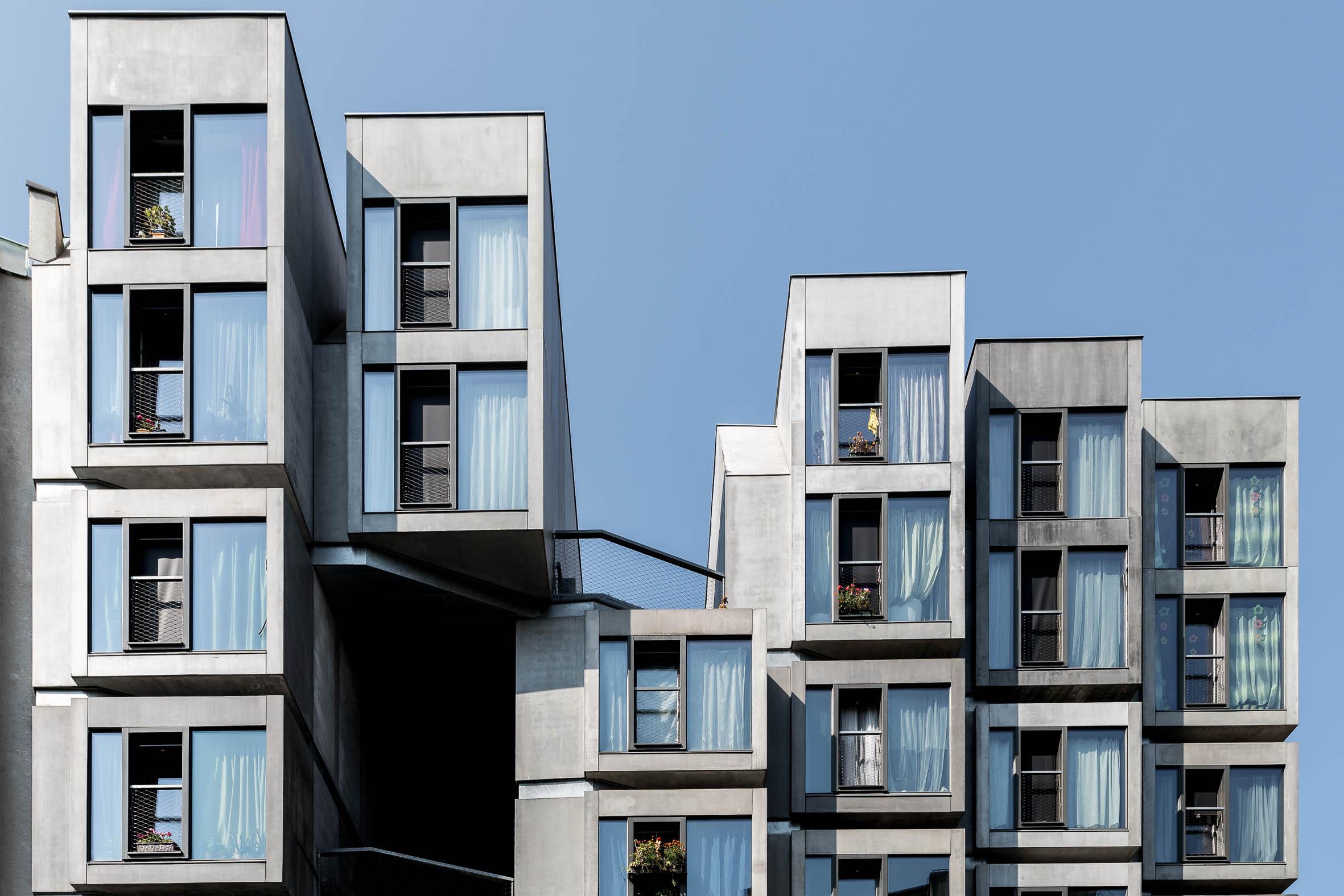 Architekturfotografie Wohnhaus mit Turnhalle Prag