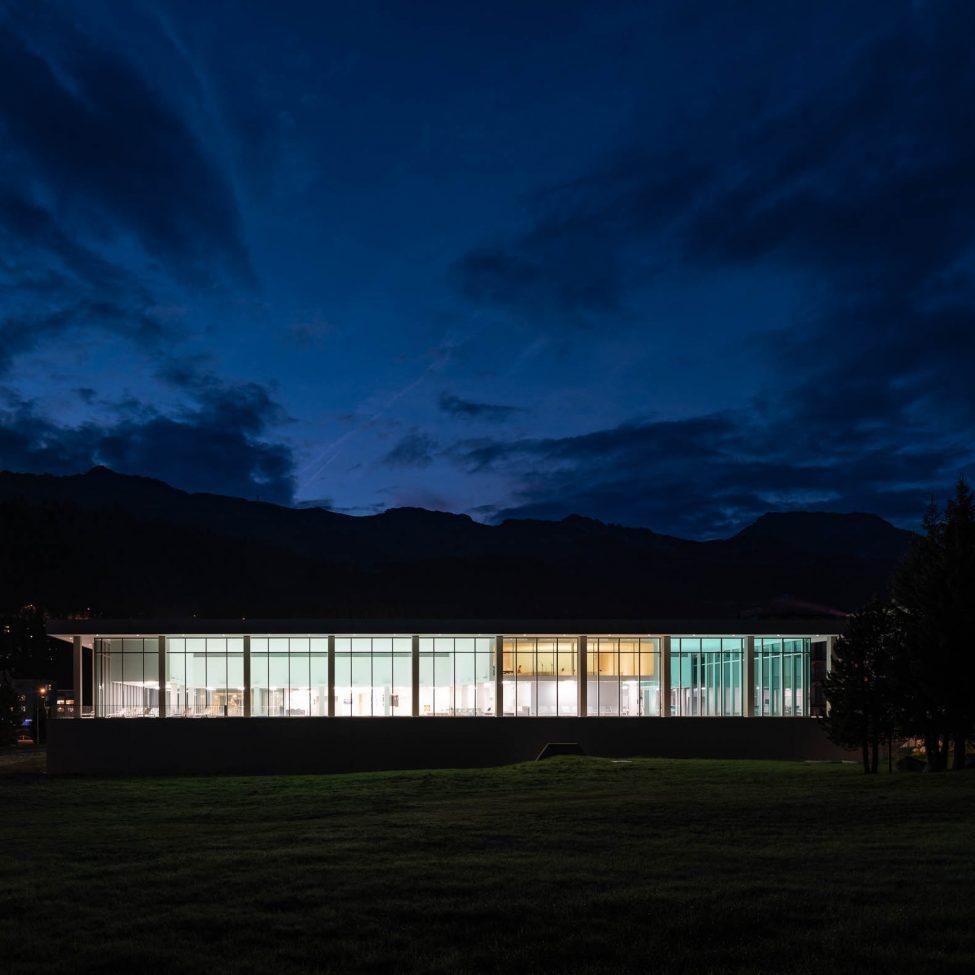 Architekturfotografie Ovaverva Hallenbad Sankt Moritz
