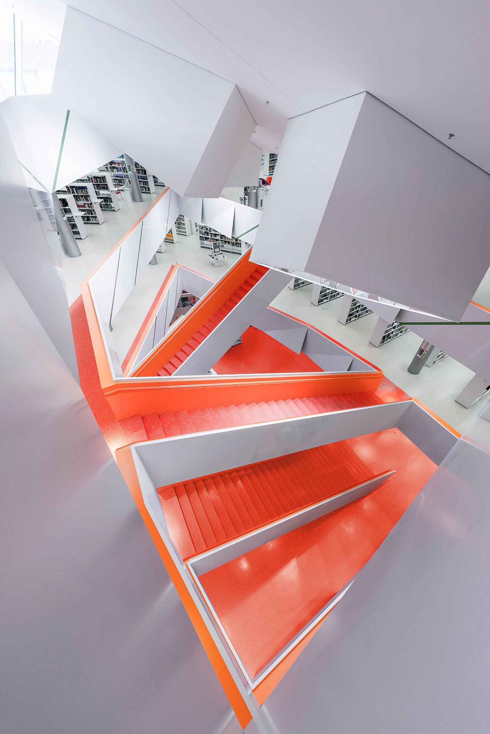 Architekturfotografie Neue Stadtbuecherei Augsburg | Gerd Schaller | BAUWERK PERSPEKTIVEN