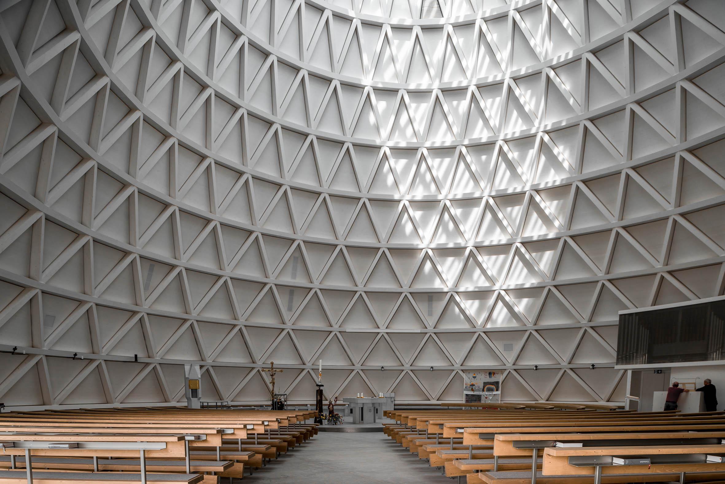 Architekturfotografie St. Josef Kirche Holzkirchen | Gerd Schaller | BAUWERK PERSPEKTIVEN