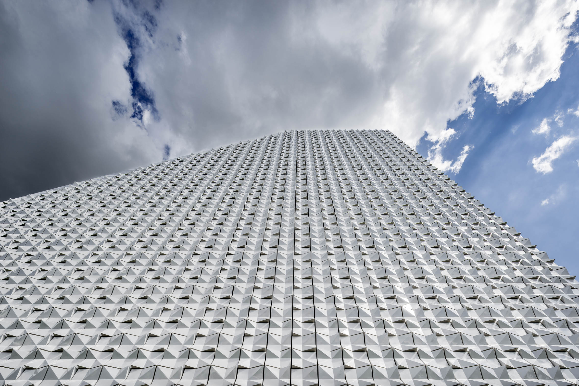 Architekturfotografie Pfarrkirche Seliger Pater Rupert Mayer Poing | Gerd Schaller | BAUWERK PERSPEKTIVEN